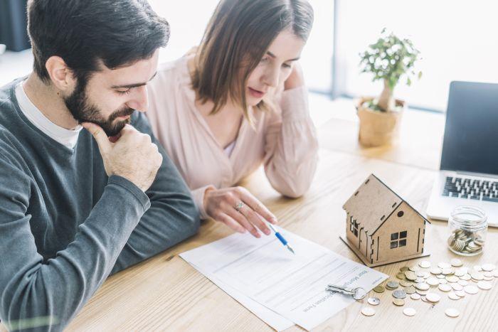 Hombres o mujeres: ¿quiénes manejan mejor las finanzas del hogar?